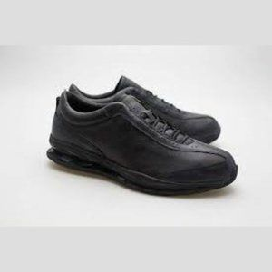 NWB New Balance Womens WW1105BL Leather Shoes